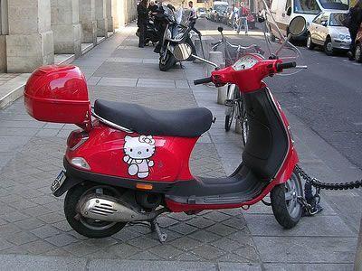 moto hello kitty vespa