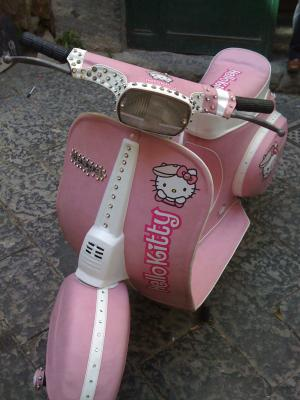 moto hello kitty vespa  - Moto Hello Kitty