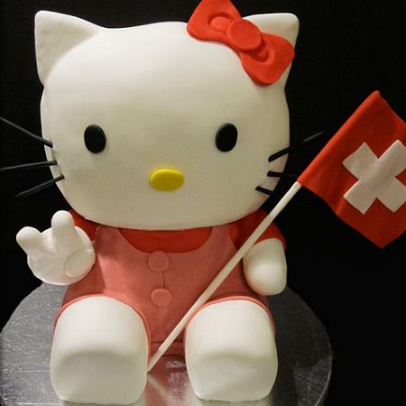 Tarta con fondant Hello Kitty