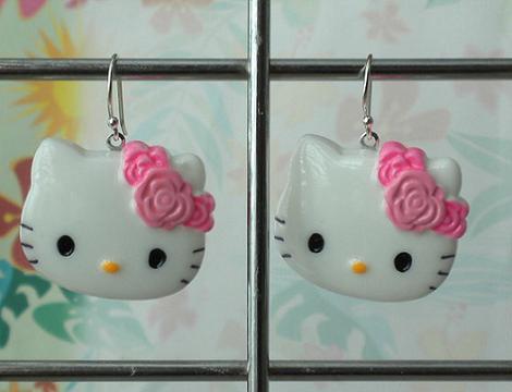 Hello Kitty pendientes rosas