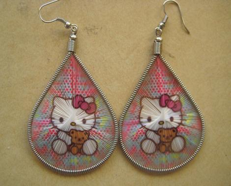 Hello Kitty pendientes