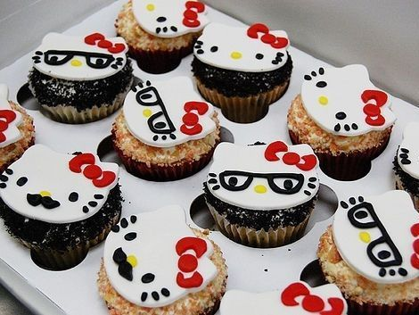 fiesta cumpleanos hello kitty cakes