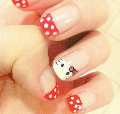 hello kitty unas lunares rojos  - Ideas para decorar tus uñas de Hello Kitty