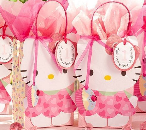 Has visto qué bolsas de cumple de Hello Kitty tan chulas? Para