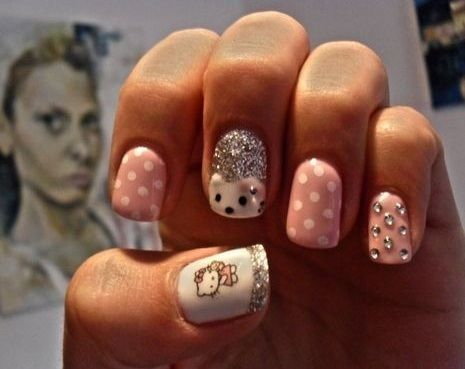 nail art hello kitty brillos