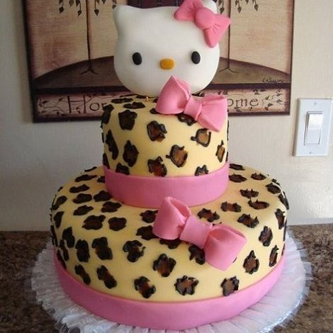 torta hello kitty leoardo  - Torta de Hello Kitty