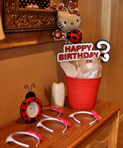 ideas faciles para un cumple de hello kitty en casa