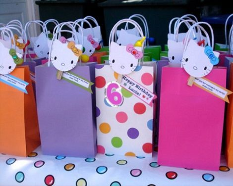 pinzas decoradas de hello kitty