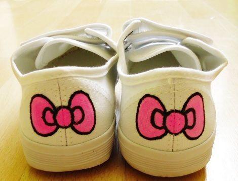 zapatillas customizadas de hello kitty