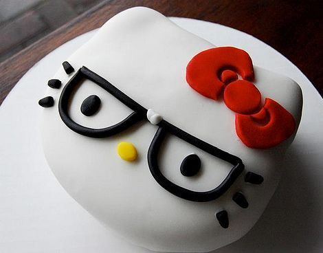 pastel de hello kitty nerd