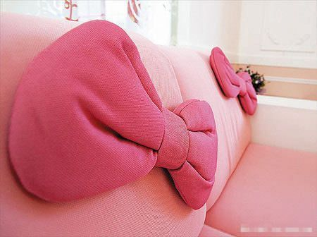 casa hello kitty sofa