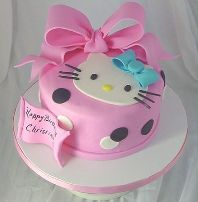tarta hello kitty lazo