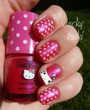 hello kitty unas lunares rosas