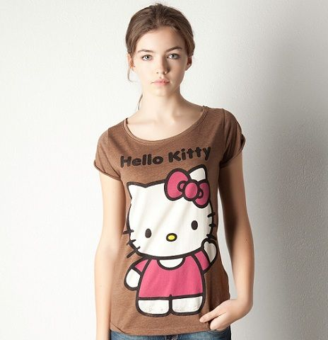 ropa hello kitty pull and bear camiseta marron