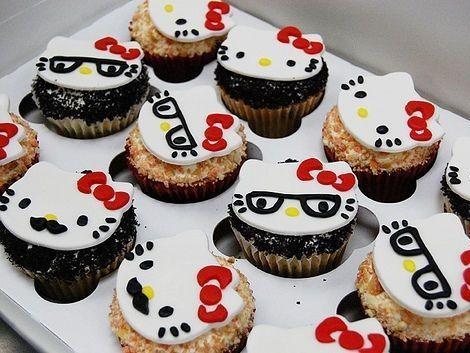 fiesta cumpleanos hello kitty cakes
