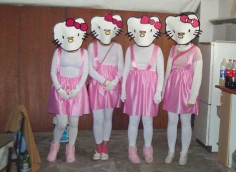 boDisfraces caseros de Hello Kittysas