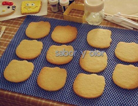 como hacer galletas de hello kitty con fondant paso a paso