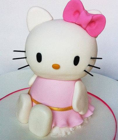 pastel de hello kitty cuerpo entero